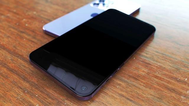 iPhone 12 Pro Max показали на дизайнерских рендерах