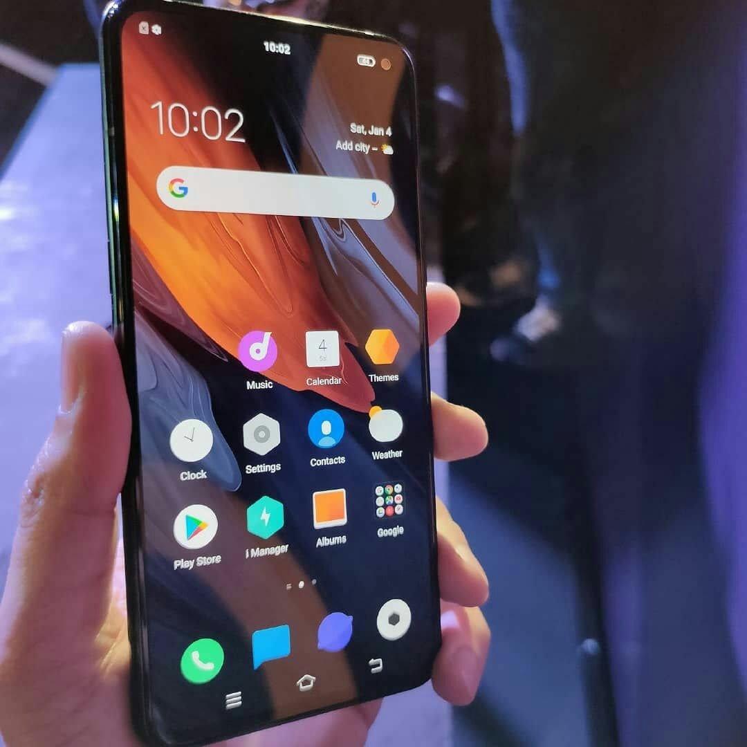 """Самые быстрый 5G-смартфон на """"живых"""" фото и видео"""
