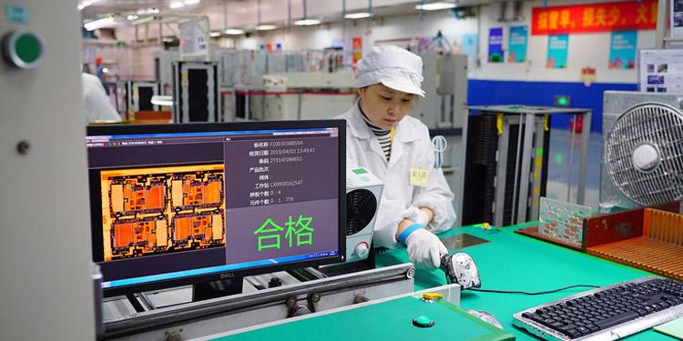 Смартфоны Xiaomi и Redmi будут собирать роботы