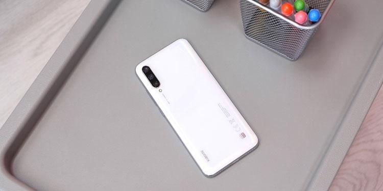 Обновление смартфона Xiaomi Mi A3 до Android 10 отложено